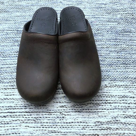 Dansko Shoes Women Sonja Brown Leather Clogs Size 39 9 Poshmark